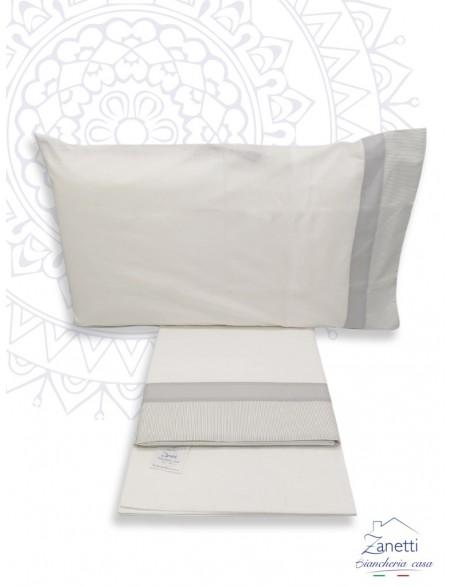 Completo lenzuola fantasia modello righina elegante